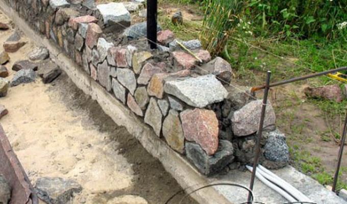 Фундамент для каменного дома своими руками