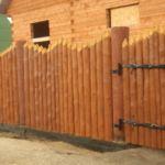 Забор из бруса частокол