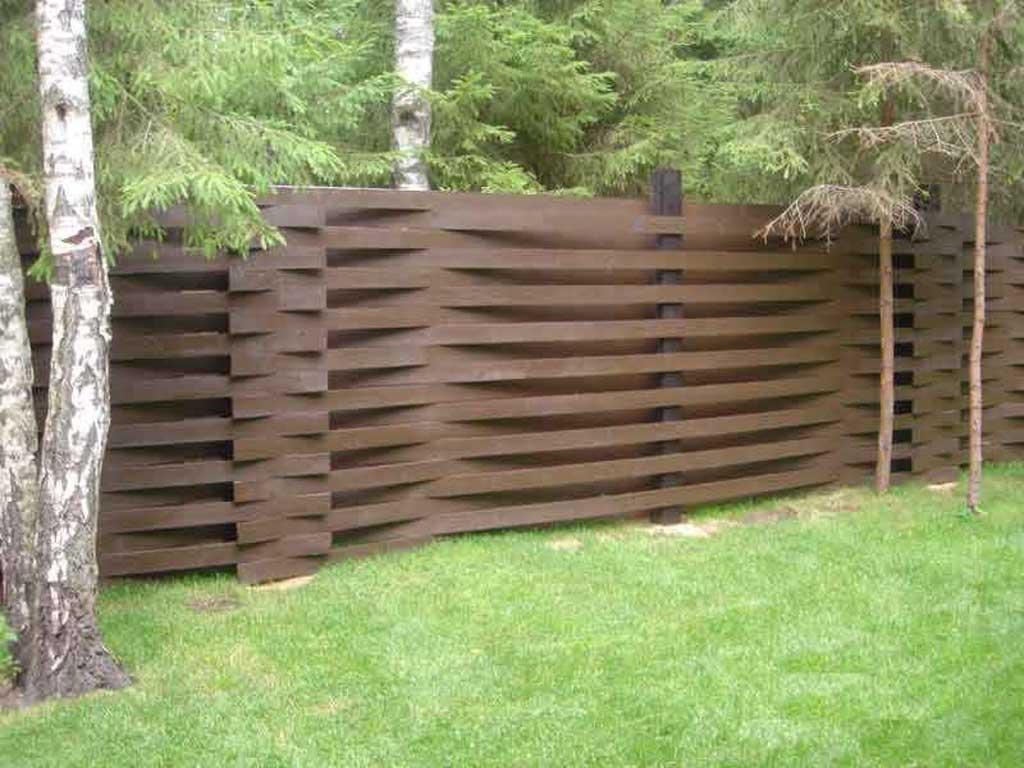 Забор своими руками из досок фото