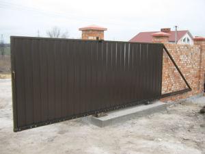 Три способа устройства надежного основания для откатных ворот