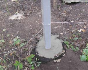 Точечное бетонирование опорных элементов ограждения