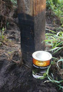 Выбор покрасочного материала для деревянных опорных элементов ограждения
