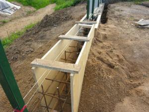 Изготовление конструкции опалубки для ограждения из фанеры