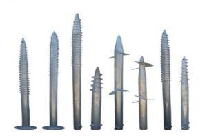 Варианты винтовых свай для применения в качестве опорных столбов забора