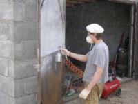 Покрасить металлические ворота: чем и какой краской