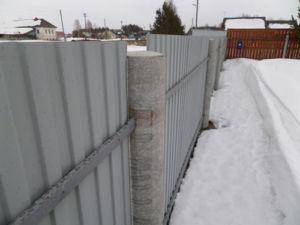 Применение асбестоцементного опорного элемента для оград из профнастила