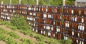 Применение пластиковых бутылок в обустройстве ограждения