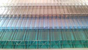Разновидности листов поликарбоната для изготовления ограждений