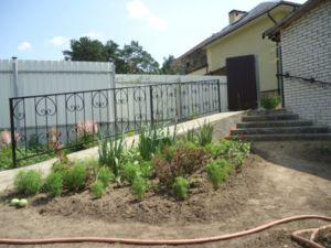 Заборы для дома на участке ИЖС в соответствии с законодательством