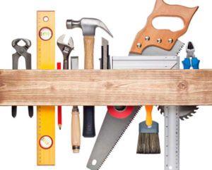 Необходимый инструмент для работы с деревом для обшивки въездной группы