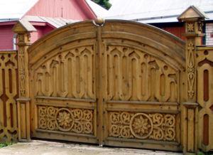 Резные деревянные ворота могут стать произведением исусства