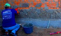 Как облицевать забор: облицовочный и фасадный кирпич, искусственный камень