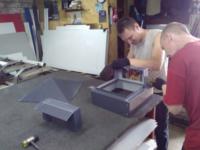 Колпаки на кирпичные столбы забора: из металла, кирпича, пластиковые крышки