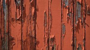 Тонкости выбора лучшей краски для забора на даче