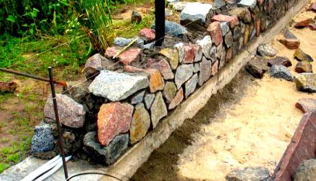 Забор из натурального камня: природного, дагестанского, речного, колотого, искусственного